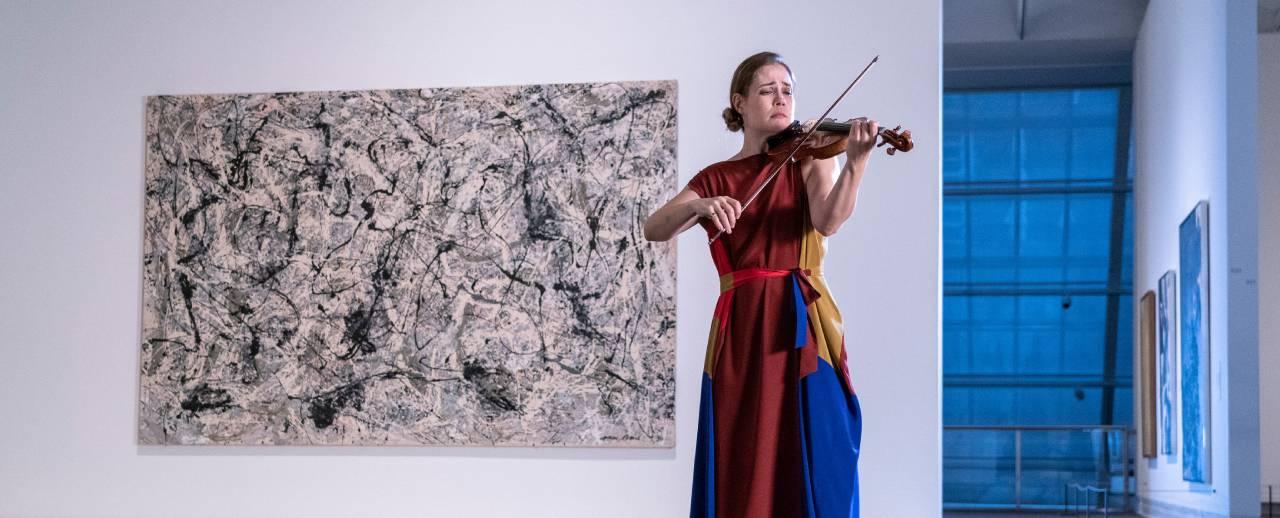 Violinist Leila Josefowicz performing.
